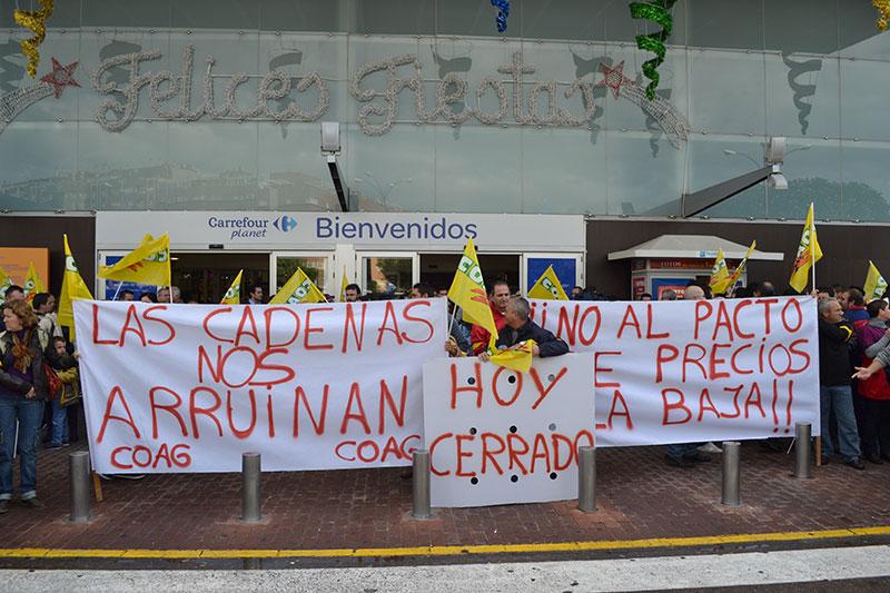 Imagen de archivo: protestas de Coag ante la distribución.