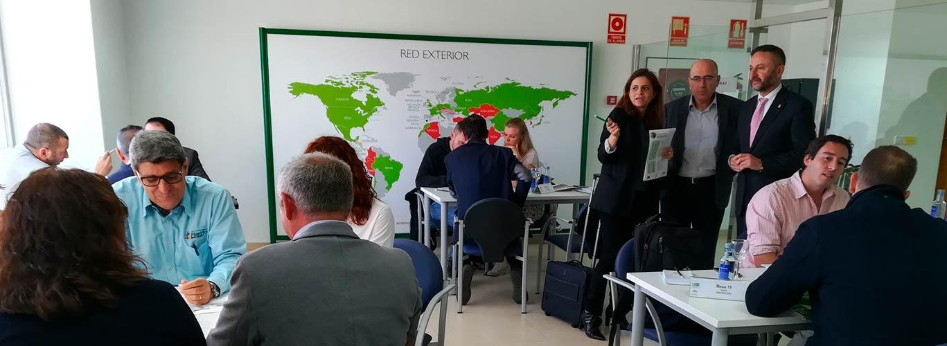 Extenda organiza un encuentro internacional de la industria auxiliar de la agricultura en Almería.