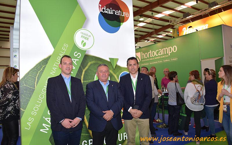 Juan Luis y Juan Sáchez, Hortocampo; con Carlos Ledó, director general de Idai Nature.