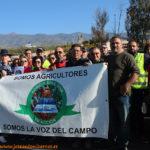 """""""Ni 3 euros ni 3 céntimos"""". Caravana de agricultores"""