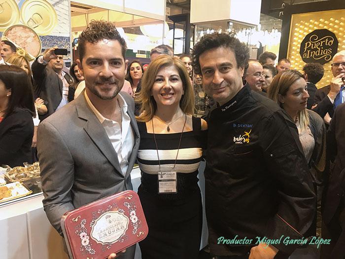 Mª Teresa García con David Bisbal y Pepe Rodríguez.
