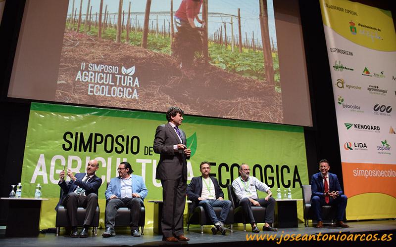 """Importadores franceses e italianos en el simposio """"eco"""""""