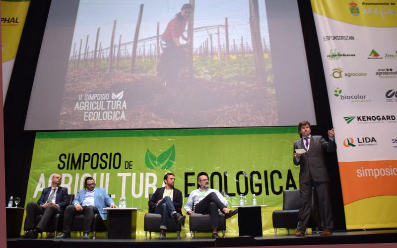 Importadores europeos de frutas y hortalizas ecológicas en el simposio de El Ejido, Almería.