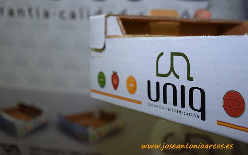 Sello Uniq. Cartón ondulado. Transporte de frutas y hortalizas.