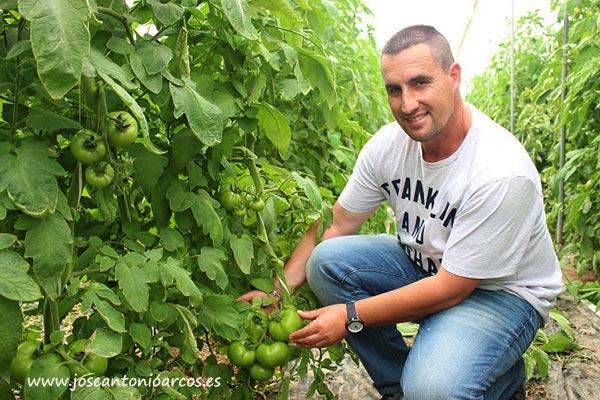 Juan Fernández, agricultor.