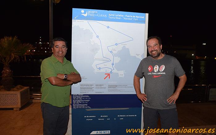 Alejandro Jorquera y Eugenio Lartiga en el puerto de Cartagena.