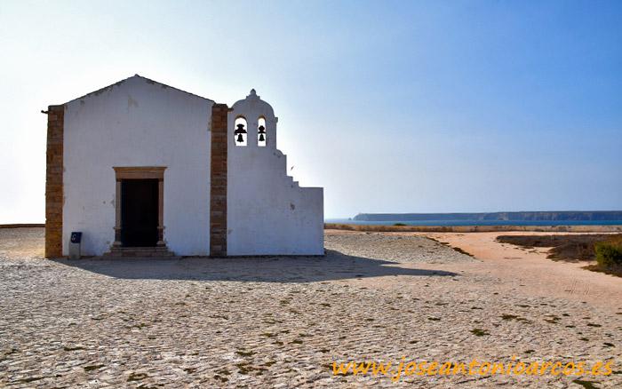 Iglesia de la fortaleza de Sagres, Algarve, Portugal.