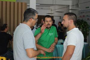 José Ramón Funes y Daniel Fernández con David Sánchez, comercial Nostoc.