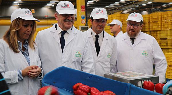El presidente de Indasol acompañado por el alcalde de El Ejido, la presidenta de la Junta de Andalucía y el consejero de Agricultura.