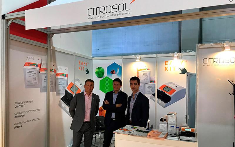Equipo de Citrosol en la cita asiática: Juanjo Ferrandis, Raúl Perelló y Juan Carlos Martín-Loeches.