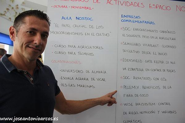 Lorenzo Montoya, señalando la charla de Pelemix.
