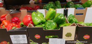 Hortalizas de origen portugués en un supermercado del Algarve.