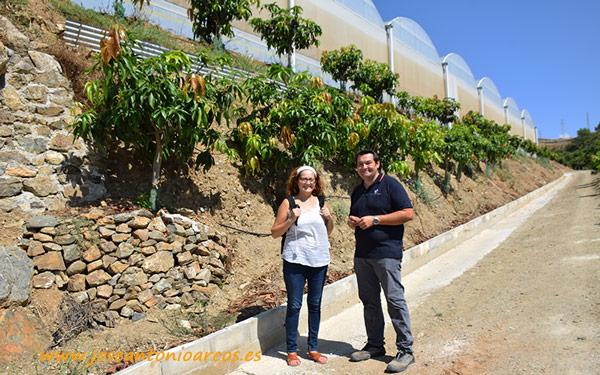 Ana con Santiago Díaz en la finca Los Herguenales.