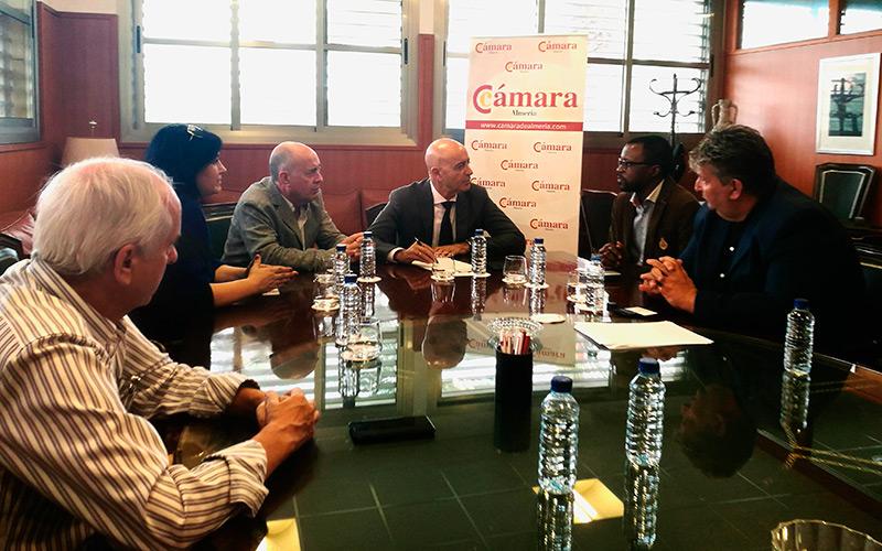 Reunión celebrada en la Cámara de Comercio de Almería.