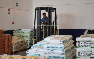 Abdera Suministros, almacén de insumos agrícolas en Adra.