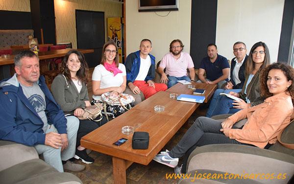 Ana Rubio y José Antonio Arcos con Vellsam en Serbia.