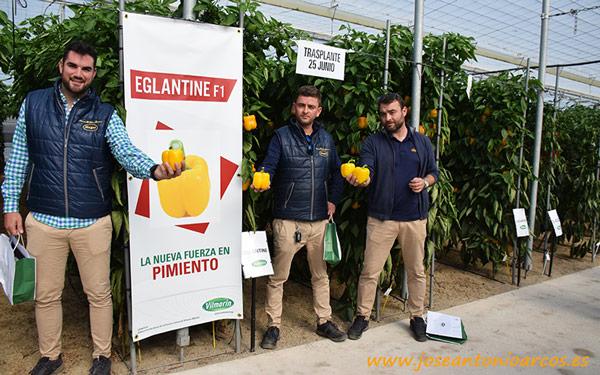 David Puga, Eloy Ibáñez y Miguel Cazorla, técnicos de MAGAR con Eglantine.