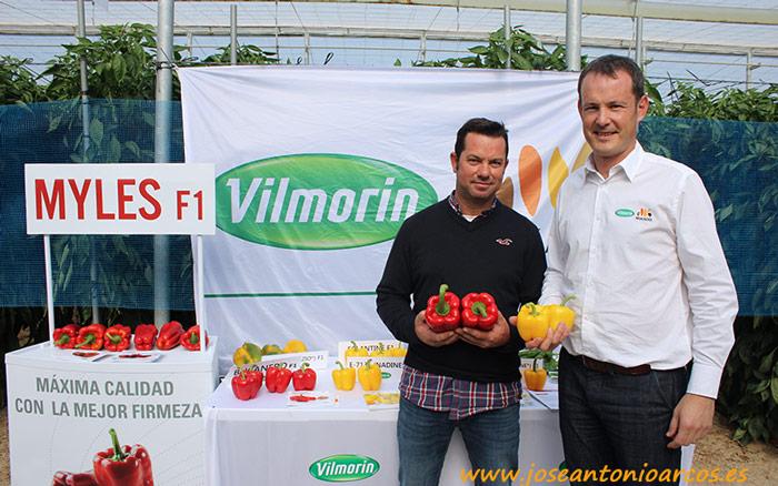 Manolo García, propietario de la finca, y Fabien Duffant, Vilmorin-Mikado.