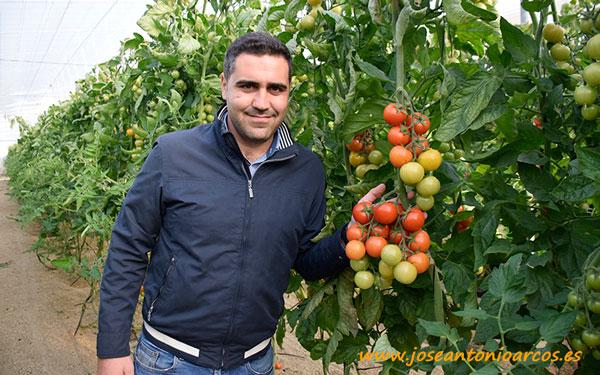 José García con el tomate cocktail 048.