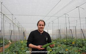 Manuel Delgado Rubio es un agricultor de calabacín de Almería.