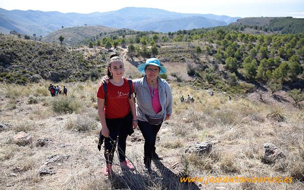 Alumnos del colegio Federico García Lorca de Vícar reforestan la Sierra de Gádor.
