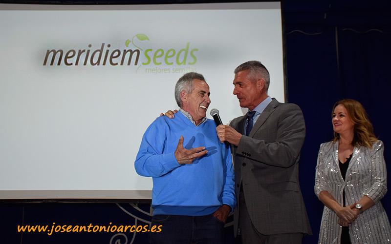 El agricultor Antonio Valdivia fue agraciado en un sorteo con 20.000 semillas de Coronado.