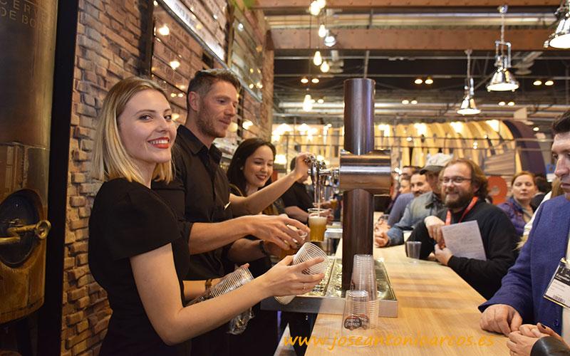 Cervezas de bodega de Estrella de Galicia en el Salón de Gourmets 2019. /joseantonioarcos.es