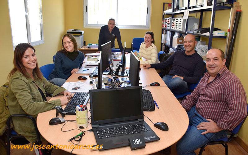 De izquierda a derecha Esther Santiago, Sara Zapata, José Luis González, Patricia Fernández, Antonio Serrano y Agustín Tejada, control biológico Biosol - joseantonioarcos.es