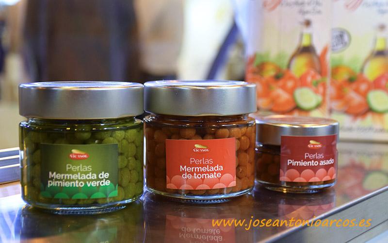 Esferificaciones de pimiento asado y de mermeladas de tomate y pimiento de Vicasol. /joseantonioarcos.es