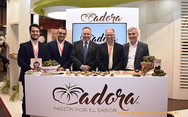 Representantes de HM Clause con los presidentes de CASI, La Palma y Única.