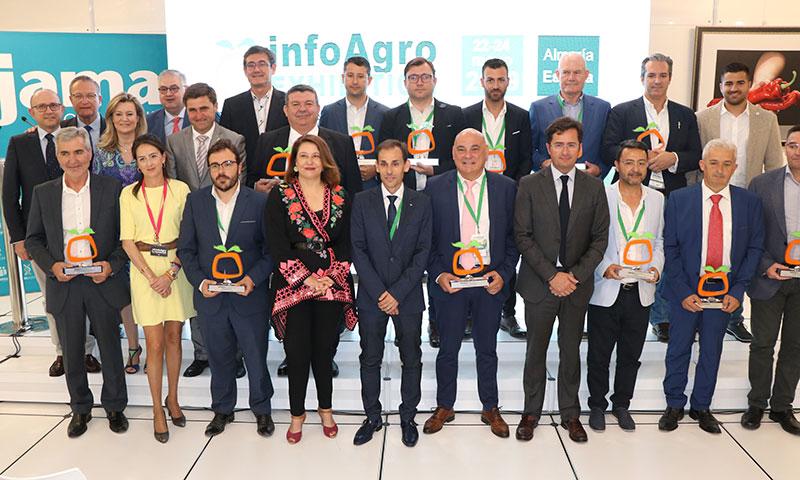 Foto de familia de los galardonados durante la clausura de la feria InfoAgro Exhibition 2019.