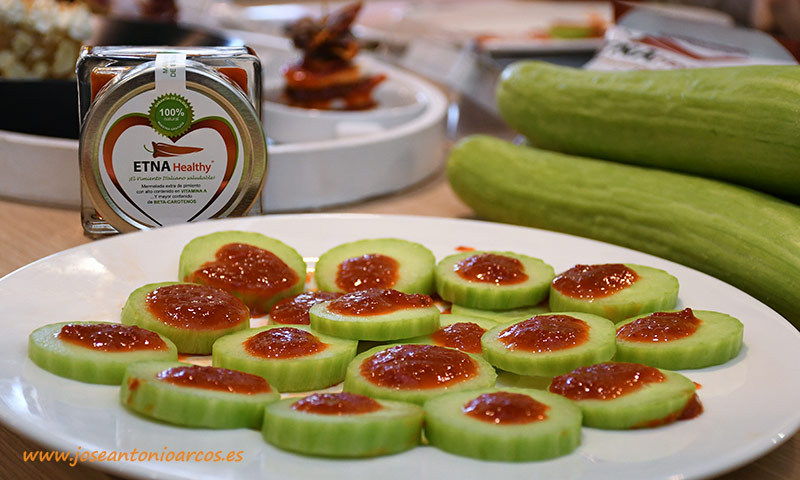 Pepino blanco Banglás con salsa de mermelada de pimiento dulce Etna. /joseantonioarcos.es