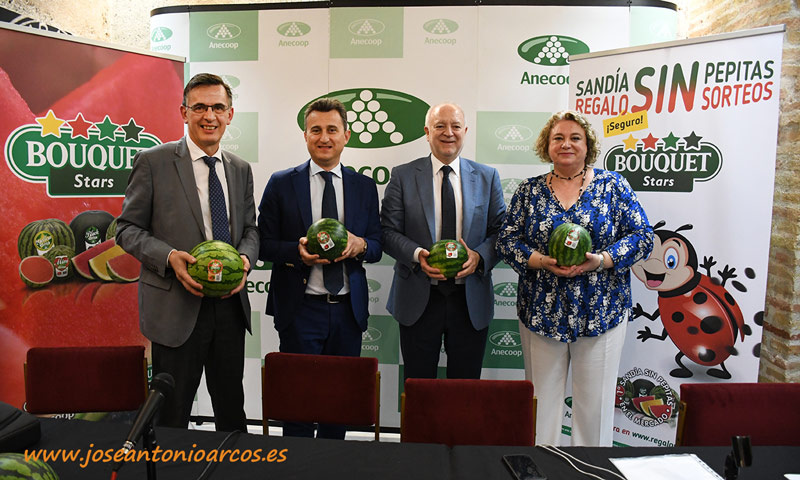Anecoop promociona el origen 100% español de sus sandías - joseantonioarcos.es