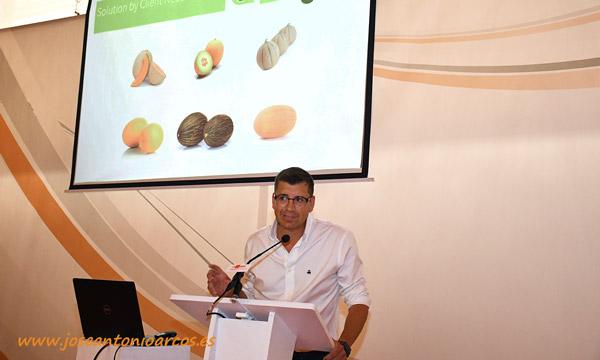 Diego Maestre, Crop Coordinator Melon, Watermelon & Squash, en Rijk Zwaan, dando paso a los ponentes. /joseantonioarcos.es