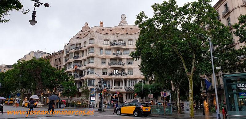La Pedrera de Antonio Gaudí en el Paseo de Gracia. /joseantonioarcos.es
