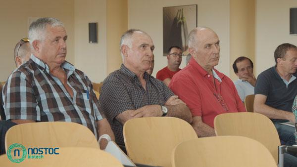 Charlas a agricultores de Nostoc Biotech en Indasol. /joseantonioarcos.es