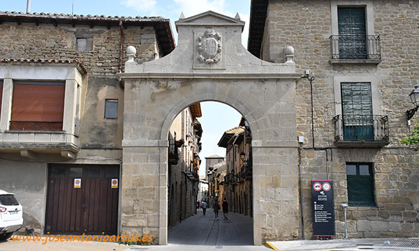 Entrada al casco antiguo de Olite, Navarra. /joseantonioarcos.es