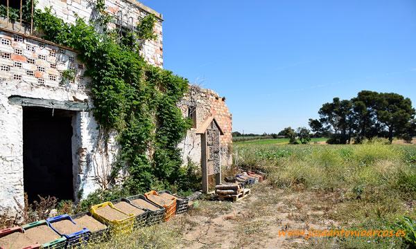 Hoteles de polinizadores salvajes en Verdcamp Fruits Tarragona. /joseantonioarcos.es