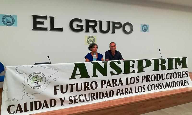 Rueda de prensa de Anseprim en la cooperativa El Grupo de Castell de Ferro.