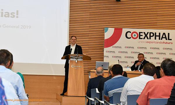 El economista Daniel Lacalle en la Asamblea de Coexphal. /joseantonioarcos.es