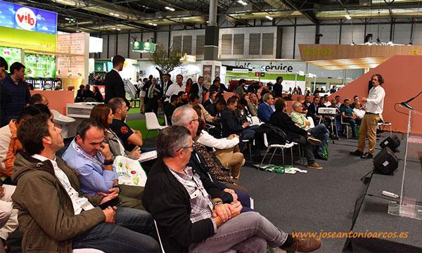 Exposición de Francisco José Díaz Antúnez, técnico de Green Has Iberia. /joseantonioarcos.es