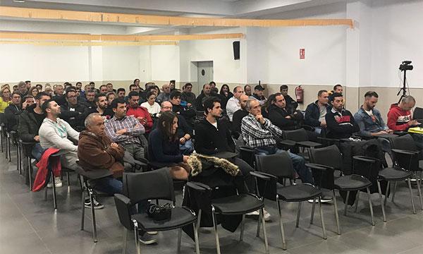 Asamblea de Agricultores Independientes en Carchuna. /joseantonioarcos.es