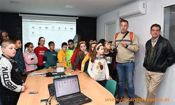 Los alumnos del colegio Federico García Lorca de Vícar en Biosur. /joseantonioarcos.es