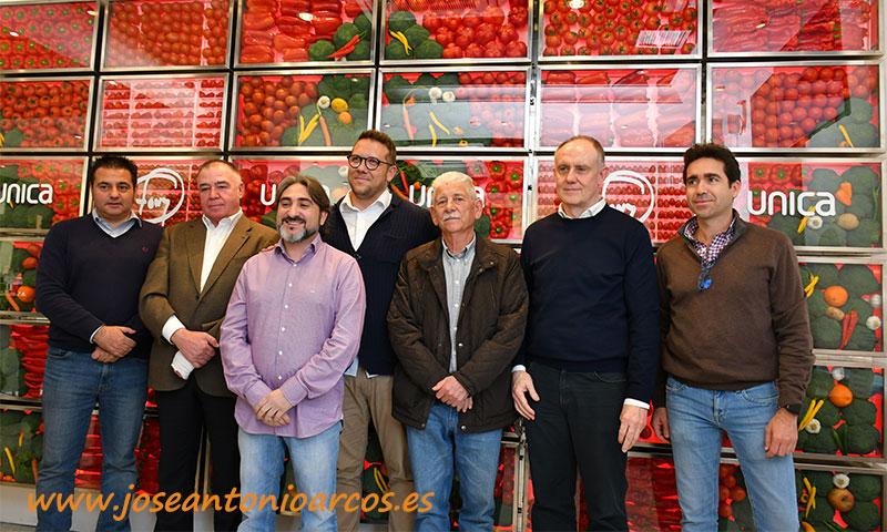 Mural de hortalizas o veggiewall de Unica y Tony García junto con el Banco de Alimentos-joseantonioarcos.es