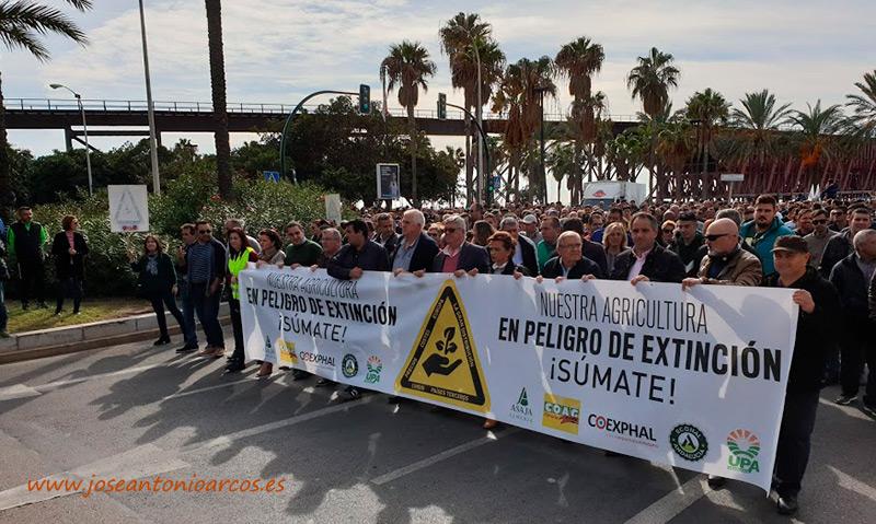 19N. Manifestación de agricultores en Almería. /joseantonioarcos.es