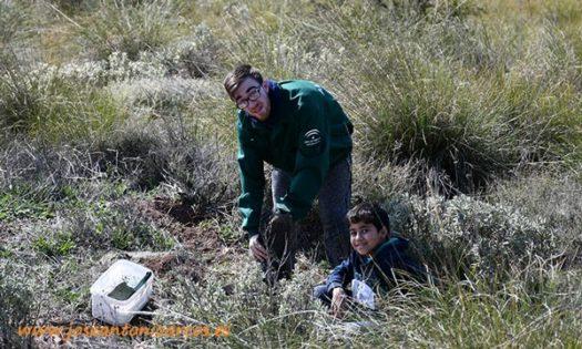 instituto Sierra de Gádor de Berja con profesores y alumnos de los módulos de estudio centrados en forestales y conservación del territorio-joseantonioarcos.es