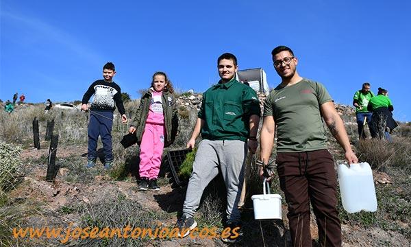 Biosur pone los árboles para la reforestació-joseantonioarcos.es