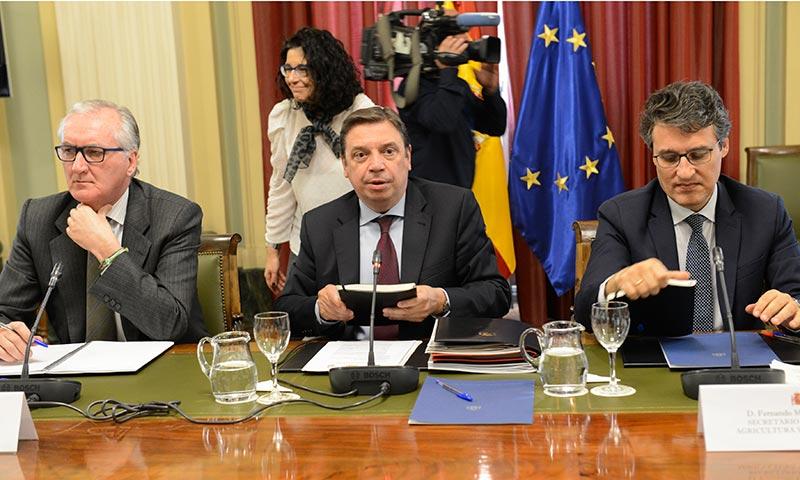El Ministro de Agricultura Luis Planas reunido con las organizaciones agrarias. /joseantonioarcos.es