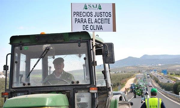 #AgricultoresAlLímite en Sevilla. En defensa de unos precios justos para el agricultor.