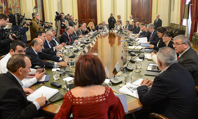 El sector de frutas y hortalizas se reúne con el ministro Luis Planas para analizar la crisis de la agricultura. /joseantonioarcos.es